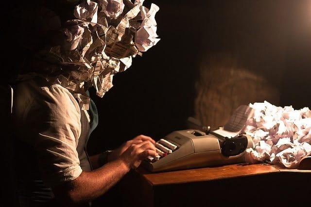 Comment écrire un livre blanc qui ne finit pas dans la corbeille